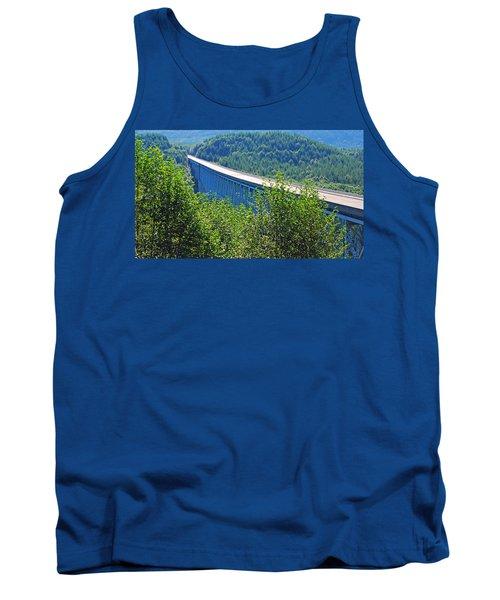 Hoffstadt Creek Bridge To Mount St. Helens Tank Top
