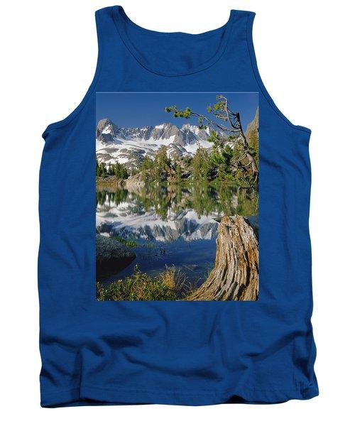 2m6443-v-palisade Peaks And Summit Lake V Tank Top