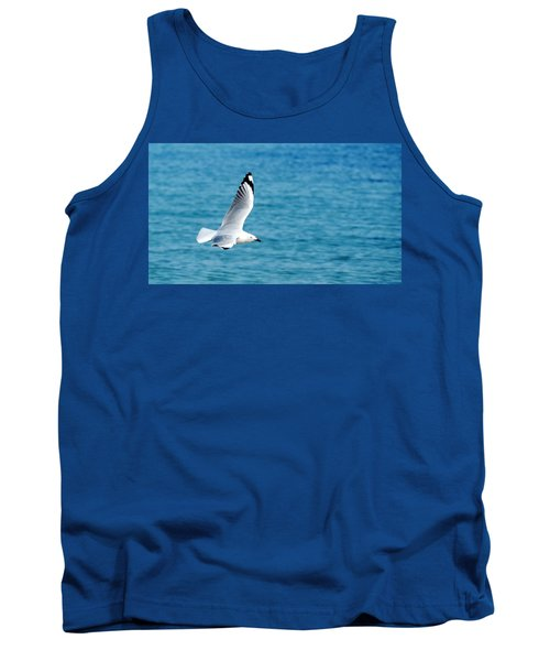 Tank Top featuring the photograph Seagull by Yew Kwang