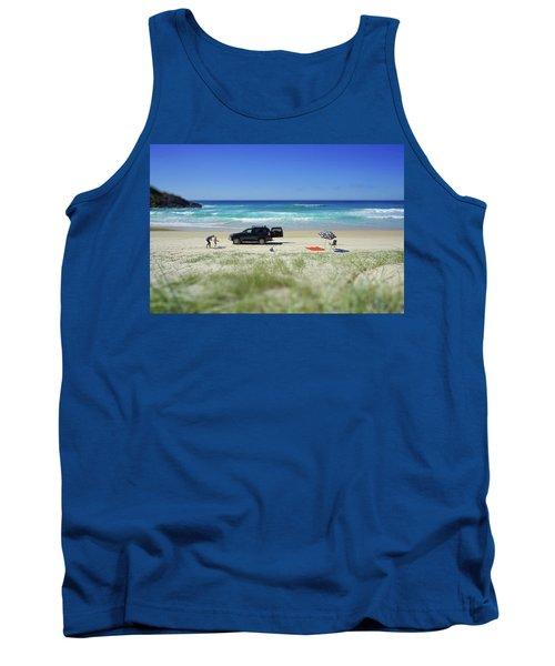 Family Day On Beach With 4wd Car  Tank Top