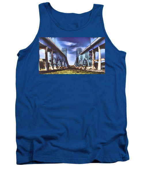 Twin Spanned Arched Tank Top