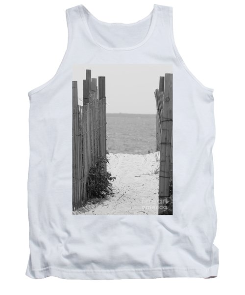 Beyond The Dunes Bw Tank Top