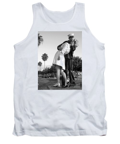 Kissing Sailor And Nurse Tank Top by Christiane Schulze Art And Photography