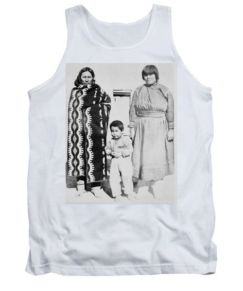 Tank Top featuring the photograph Maria Martinez (1887-1980) by Granger
