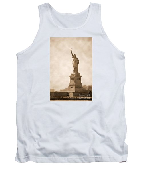 Vintage Statue Of Liberty Tank Top by RicardMN Photography