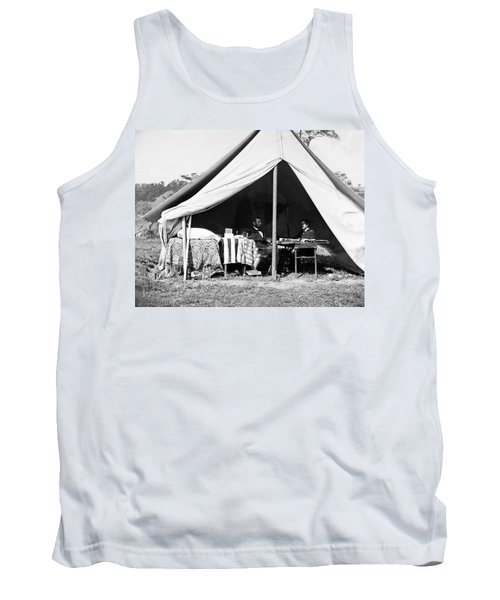 Tank Top featuring the photograph Abraham Lincoln Meeting With General Mcclellan - Antietam - October 3 1862 by International  Images