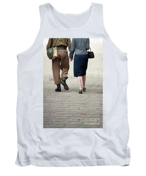 1940s Couple Soldier And Civilian Holding Hands Tank Top