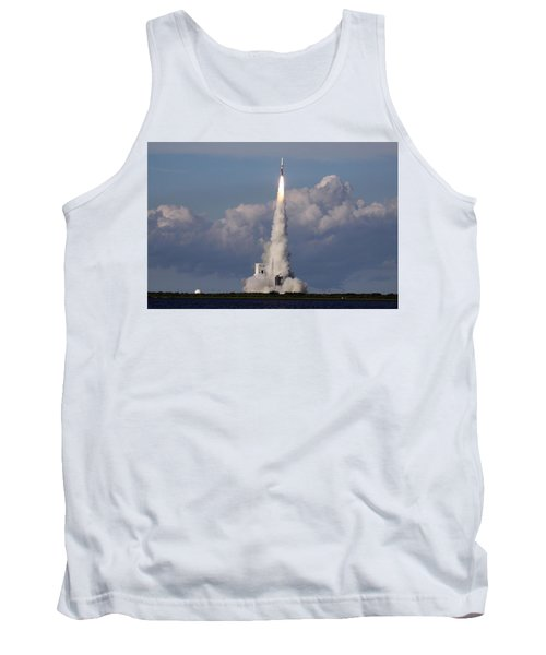 A Delta Iv Rocket Soars Into The Sky Tank Top