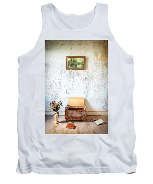 Abandoned Memories -urbex Tank Top