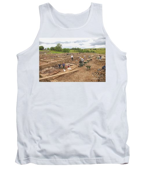 Archaeologists At Work At Roman Vindolanda Tank Top