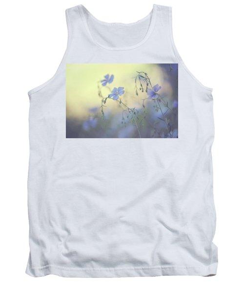 Blue Flex Flower. Nostalgic Tank Top
