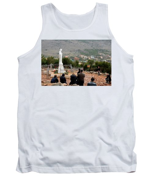 Catholic Pilgrim Worshipers Pray To Virgin Mary Medjugorje Bosnia Herzegovina Tank Top