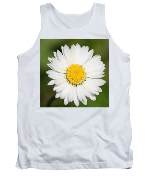 Closeup Of A Beautiful Yellow And White Daisy Flower Tank Top