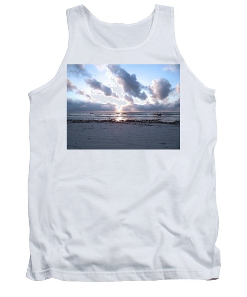 Coloured Sky - Sun Rays And Wooden Dhows Tank Top