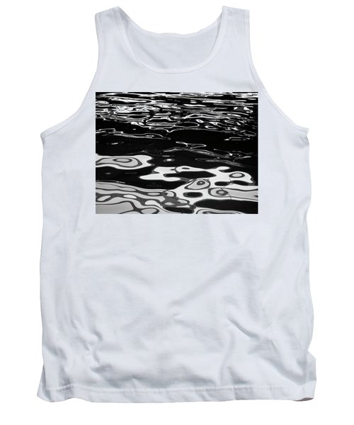 Fluid Abstract Tank Top