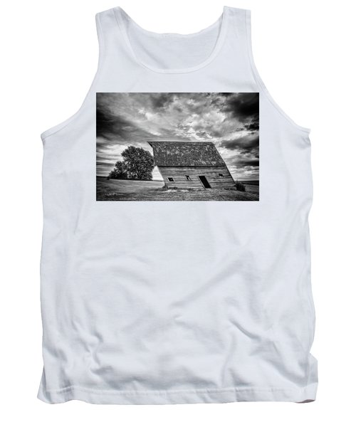 Leaning Barn Of Tuttle Tank Top