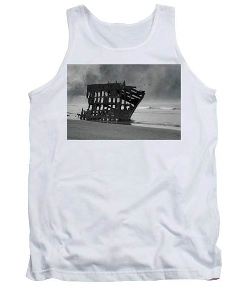 Peter Iredale Shipwreck At Oregon Coast Tank Top