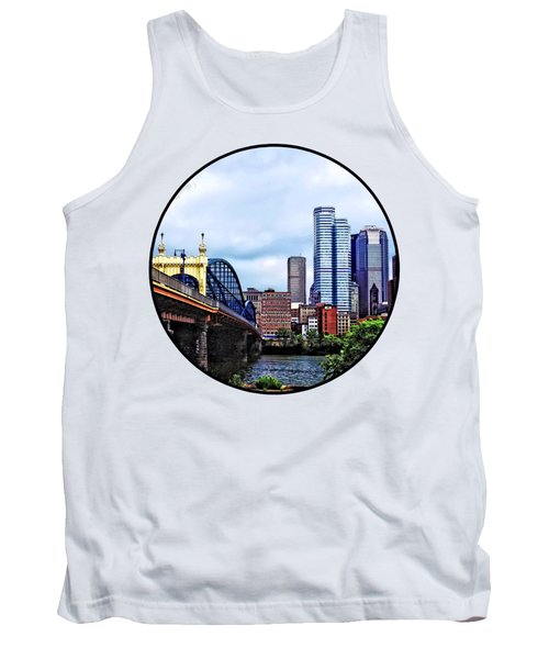Pittsburgh Pa - Pittsburgh Skyline By Smithfield Street Bridge Tank Top