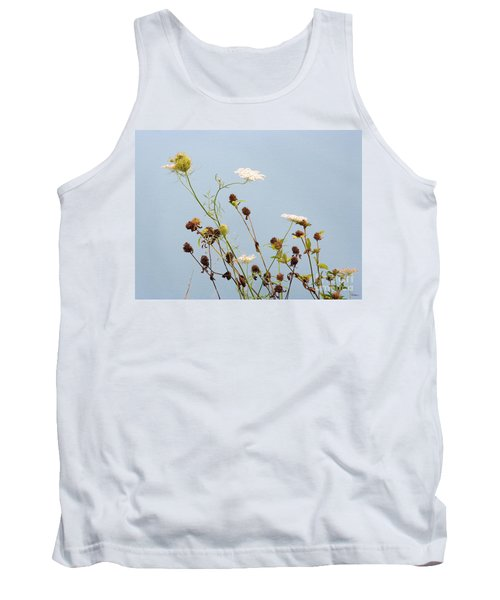 Queen Anne's Lace And Dried Clovers Tank Top by Lise Winne