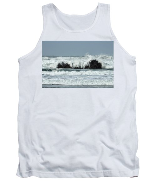 Tank Top featuring the photograph Splash by Peggy Hughes