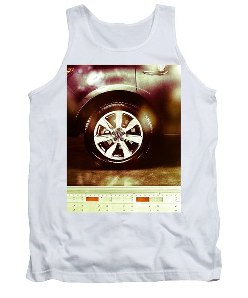 Tire Under The Moonlight Color Tank Top