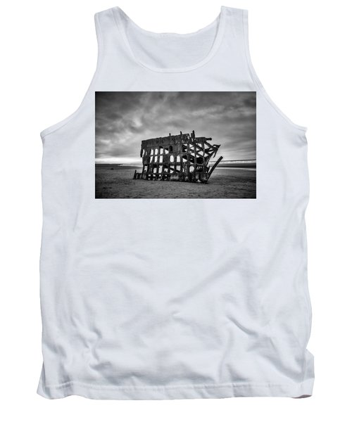 Weathered Rusting Shipwreck In Black And White Tank Top