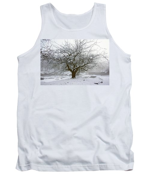 30/01/19  Rivington.  Japanese Pool. Snow Clad Tree. Tank Top