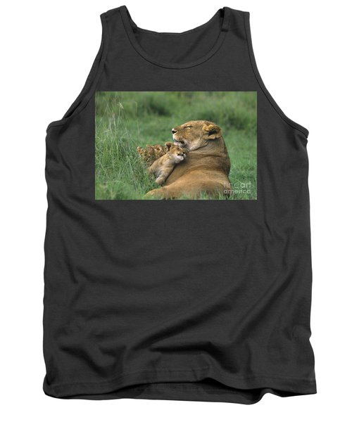 African Lions Mother And Cubs Tanzania Tank Top