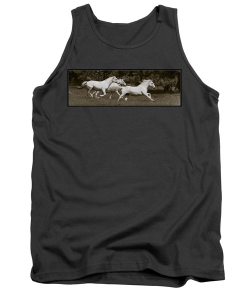 Tank Top featuring the photograph And The Race Is On D5932 by Wes and Dotty Weber