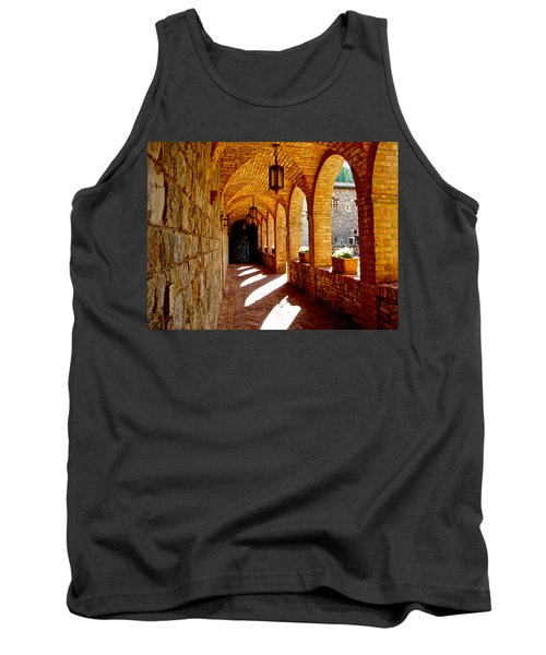 Archway By Courtyard In Castello Di Amorosa In Napa Valley-ca Tank Top