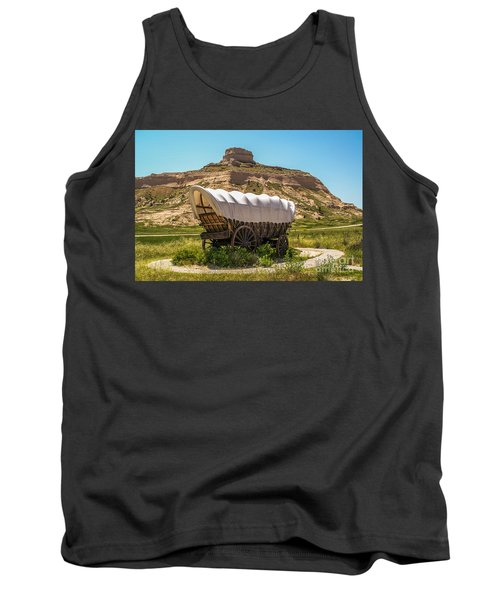 Covered Wagon At Scotts Bluff National Monument Tank Top by Sue Smith