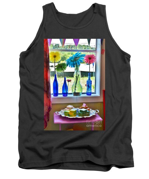 Liddy Loves Clothes 8 - Clarksville Delaware Tank Top
