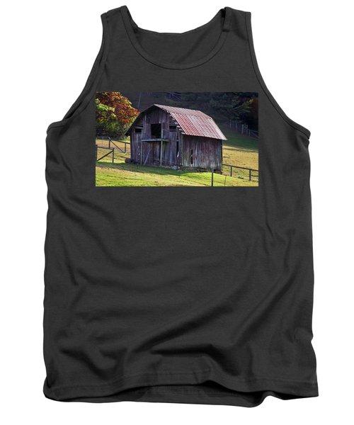 Old Barn In Etowah Tank Top