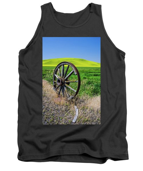 Rustic Wagon Wheel In The Palouse Tank Top by James Hammond