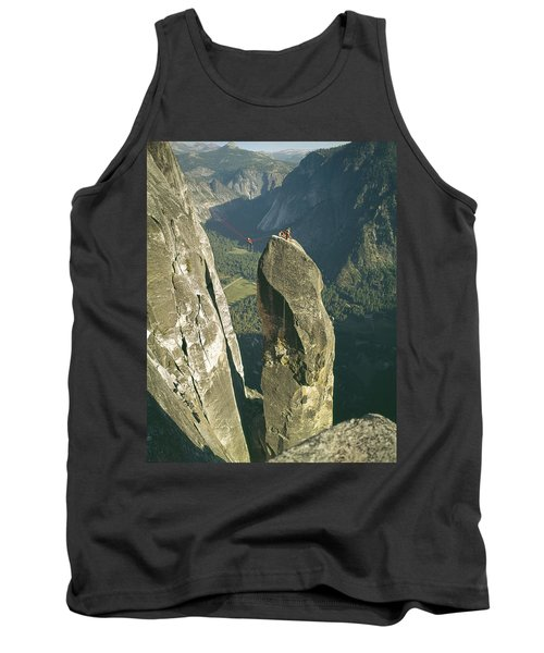 306540 Climbers On Lost Arrow 1967 Tank Top