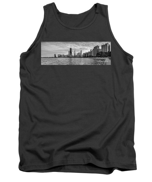 Black And White Panorama Of Chicago From North Avenue Beach Lincoln Park - Chicago Illinois Tank Top