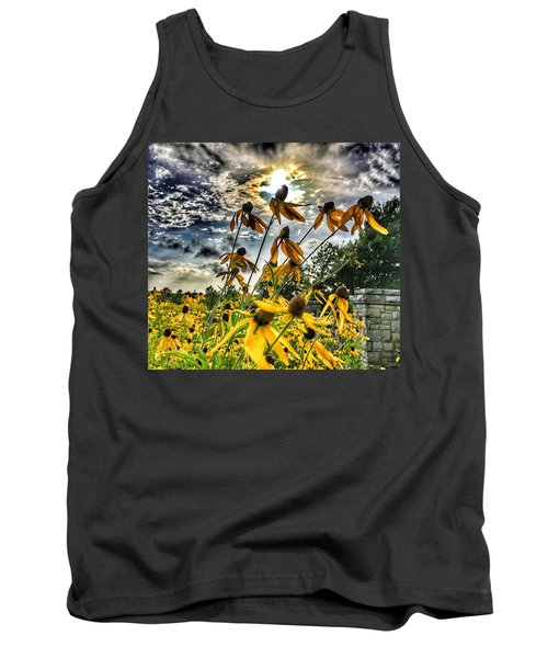 Black Eyed Susan Tank Top by Sumoflam Photography