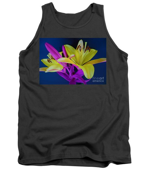 Tank Top featuring the photograph Bold Beautiful Flowers by Ray Shrewsberry