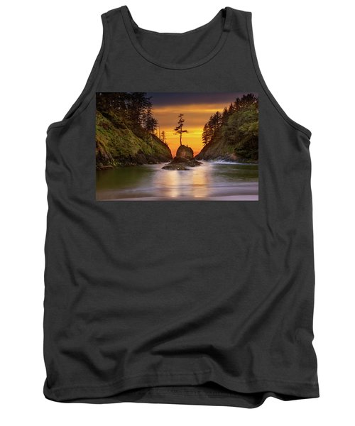 Deadman's Cove At Cape Disappointment State Park Tank Top