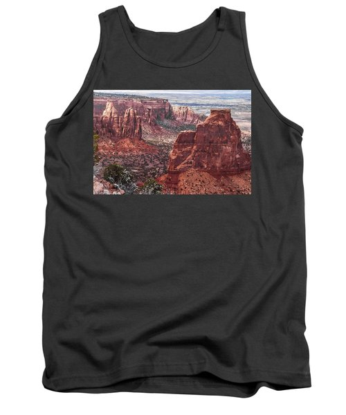 Independence Monument At Colorado National Monument Tank Top