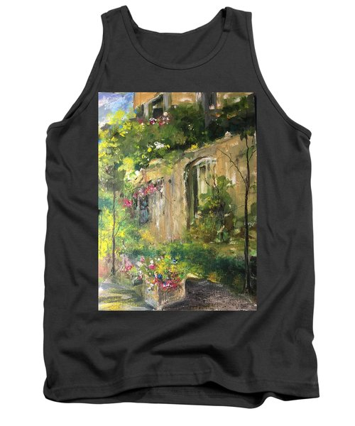 La Maison Est O Le Coeur Est Home Is Where The Heart I Tank Top