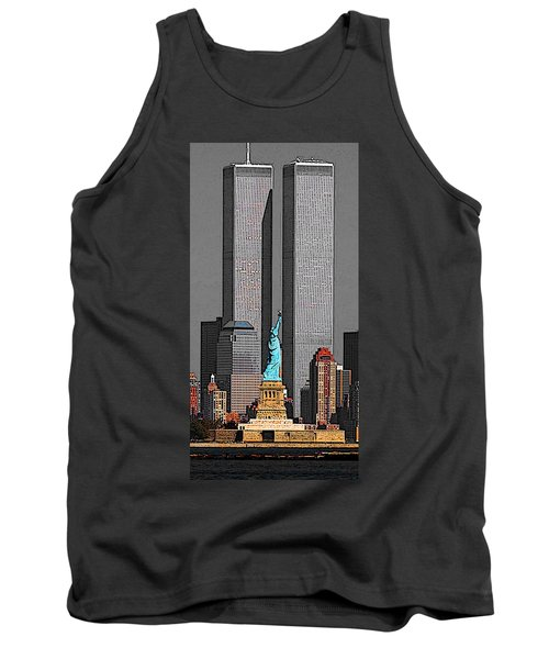 New York 911 Memory - Twin Towers And Statue Of Liberty Tank Top