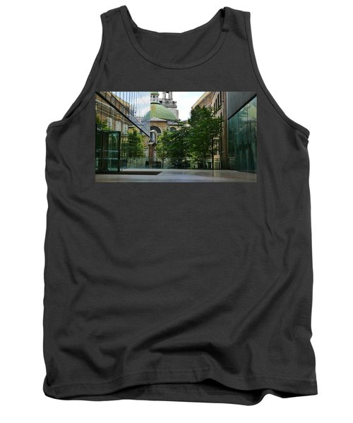 Old And New Buildings In London Tank Top