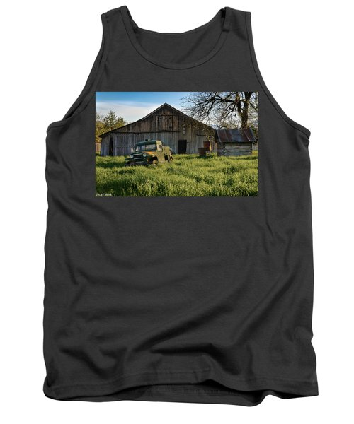 Old Jeep, Old Barn Tank Top