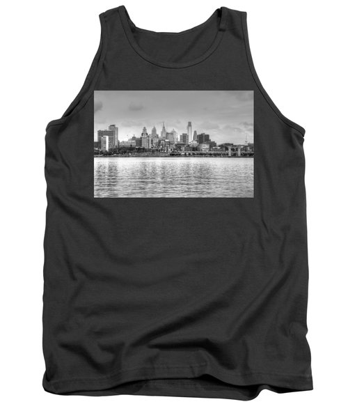 Tank Top featuring the photograph Philadelphia Skyline In Black And White by Jennifer Ancker