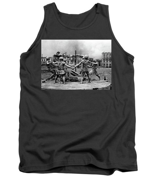 Statue Of Children After Nazi Airstrikes Center Of Stalingrad 1942 Tank Top
