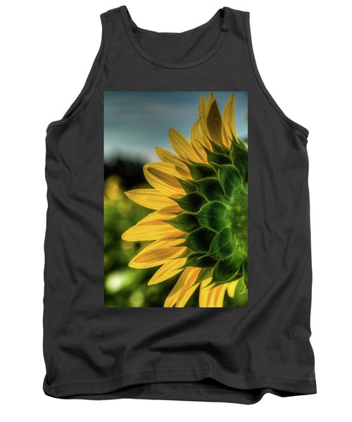 Sunflower Blooming Detailed Tank Top