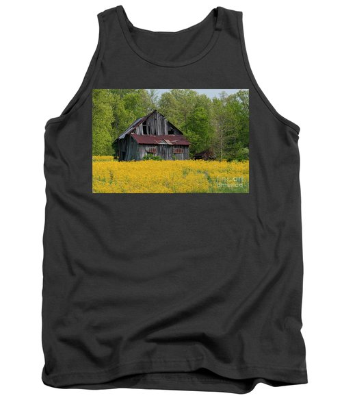 Tank Top featuring the photograph Tired Indiana Barn - D010095 by Daniel Dempster