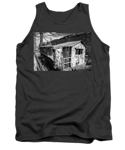 Train 6 In Black And White Tank Top
