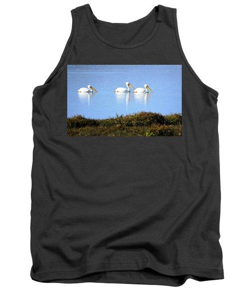 Tres Pelicanos Blancos Tank Top